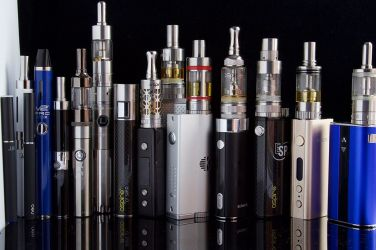 E_Cigarettes,_Ego,_Vaporizers_and_Box_Mods_(17679064871)