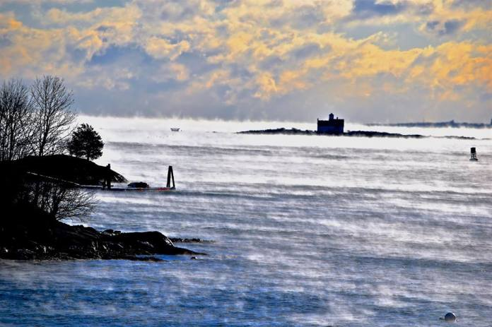 fort-foster-sea-smoke