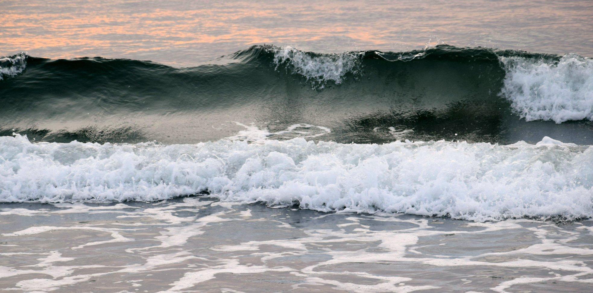 WavebyNelsonLinscott
